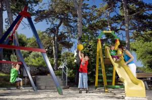 2011 Allegro Hotel Playground